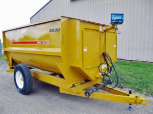Knight 3030 reel mixer feeder wagon