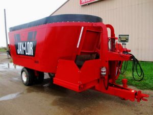 Jaylor 3650 vertical mixer wagon