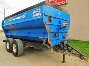 SAC 4600 4 auger mixer wagon