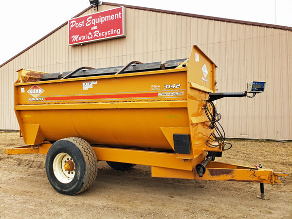 Kuhn-Knight-3142-Reel-Mixer-Wagon-ID2666