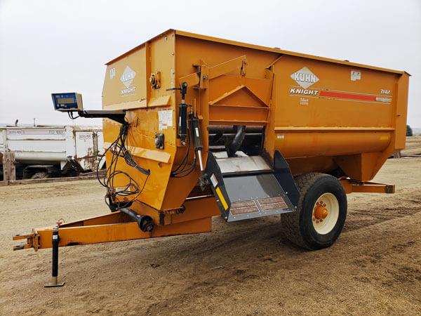 Kuhn-Knight-3142-Reel-Mixer-Wagon-ID2666