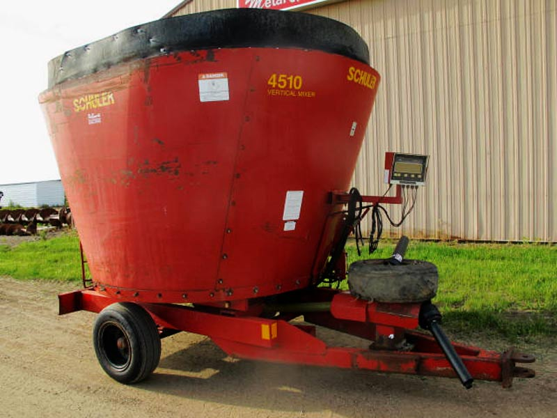Schuler 4510 Vertical Mixer Wagon