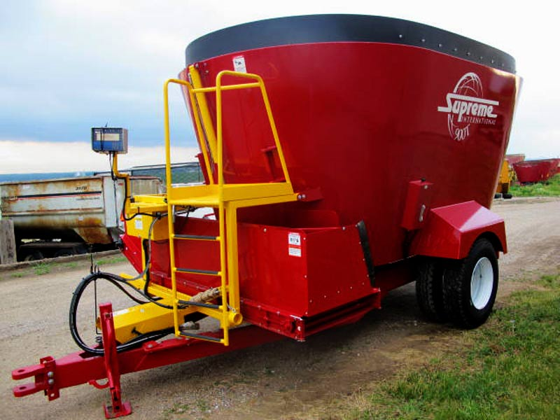 Supreme 900T Vertical Mixer Wagon