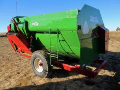 Farm Aid 340 reel mixer wagon | Farm Equipment>Mixers>Reel Feed Mixers - 5