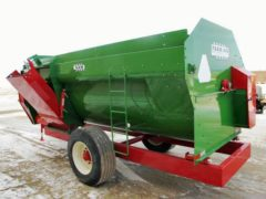 Farm Aid 430 reel mixer wagon | Farm Equipment>Mixers>Reel Feed Mixers - 6
