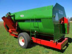 Farm Aid 430 reel mixer wagon | Farm Equipment>Mixers>Reel Feed Mixers - 6