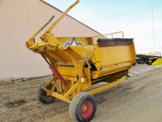Haybuster 2650 bale shredder | Farm Equipment>Bale Processors - 7