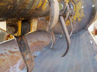 Haybuster 2650 bale shredder | Farm Equipment>Bale Processors - 2