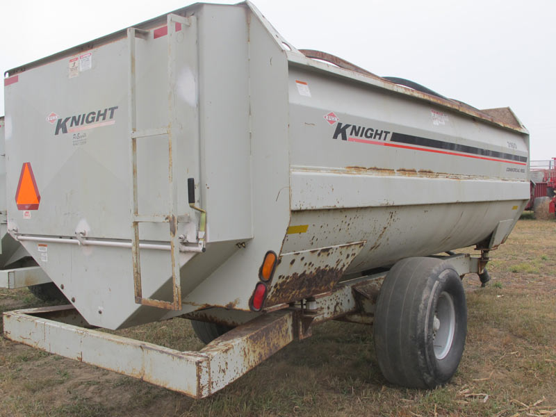 Knight Kuhn 3160 reel mixer | Farm Equipment>Mixers>Reel Feed Mixers - 6