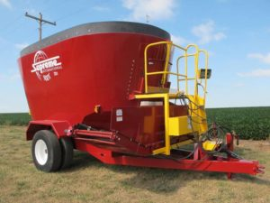 Supreme 900T vertical mixer | Farm Equipment>Mixers>Vertical Feed Mixers - 1