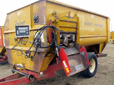 LOANER Knight 3042 reel feed mixer    Loaner | Farm Equipment>Reserve Inventory - 1