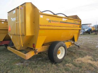 Knight 3136 reel mixer | Farm Equipment>Mixers>Reel Feed Mixers - 1