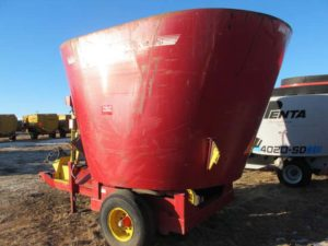 Supreme 600 S vertical mixer | Farm Equipment>Mixers>Vertical Feed Mixers - 1