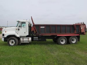 Spread-All 20T on '08 IH 5600i truck | Farm Equipment>Manure Spreaders - 1