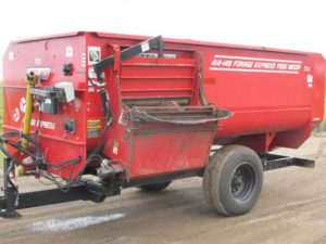 Roto-Mix 414-14 staggered rotor mixer wagon | Farm Equipment>Mixers>Reel Feed Mixers - 1