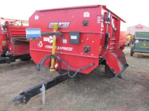 Roto-Mix 414-14B staggered rotor mixer wagon | Farm Equipment>Mixers>Reel Feed Mixers - 1