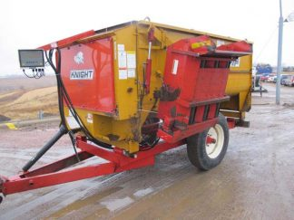 Knight 3250 reel mixer wagon | Farm Equipment>Mixers>Reel Feed Mixers - 1