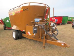 Kirby ELP 712 vertical mixer | Farm Equipment>Mixers>Vertical Feed Mixers - 1
