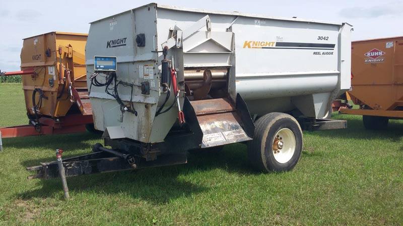 Knight 3042 reel mixer feeder  wagon | Farm Equipment>Mixers>Reel Feed Mixers - 1