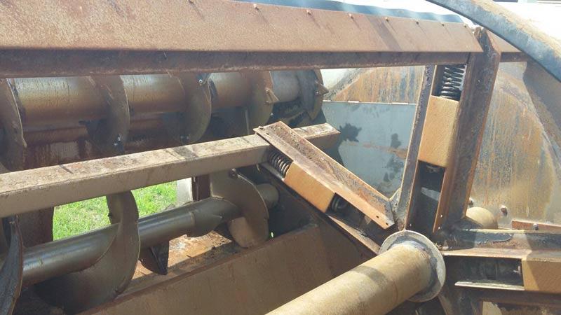 Knight 3042 reel mixer feeder  wagon | Farm Equipment>Mixers>Reel Feed Mixers - 2