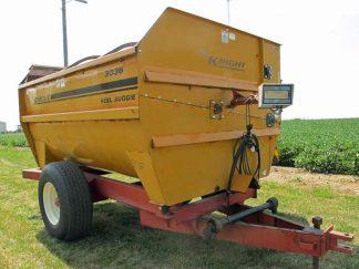 Knight 3036 reel mixer wagon | Farm Equipment>Mixers>Reel Feed Mixers - 1