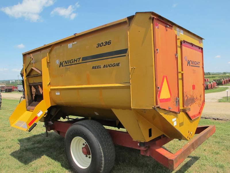 Knight 3036 reel mixer wagon | Farm Equipment>Mixers>Reel Feed Mixers - 5