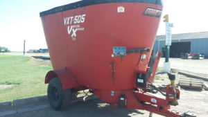 Roto-Mix VXT 505 vertical mixer wagon | Farm Equipment>Mixers>Vertical Feed Mixers - 1