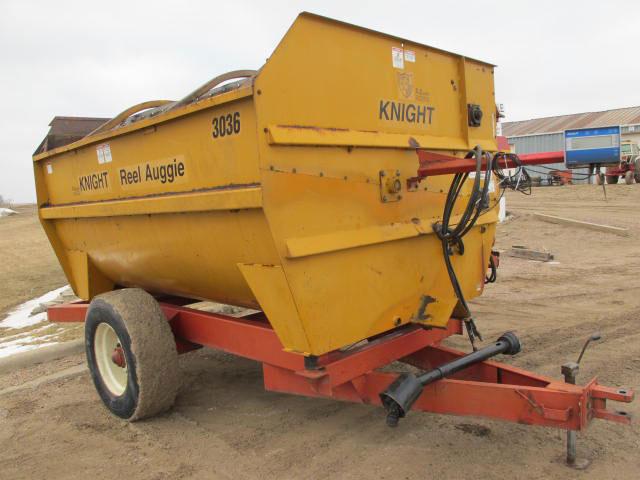 Knight 3036 reel mixer wagon | Farm Equipment>Mixers>Reel Feed Mixers - 6