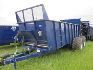 JBS VMEC 2048 vertical beater manure spreader | Farm Equipment>Manure Spreaders - 1