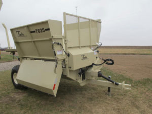 Fair MFG 7825 bale shredder | Farm Equipment>Bale Processors - 1