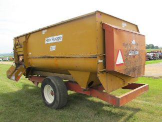 Knight 3550 reel mixer | Farm Equipment>Mixers>Reel Feed Mixers - 1