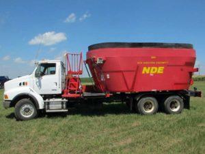 NDE 2804 vertical mixer truck mount