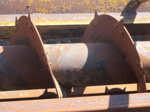 Knight 3042 Reel Mixer Wagon | Farm Equipment>Mixers>Reel Feed Mixers - 3