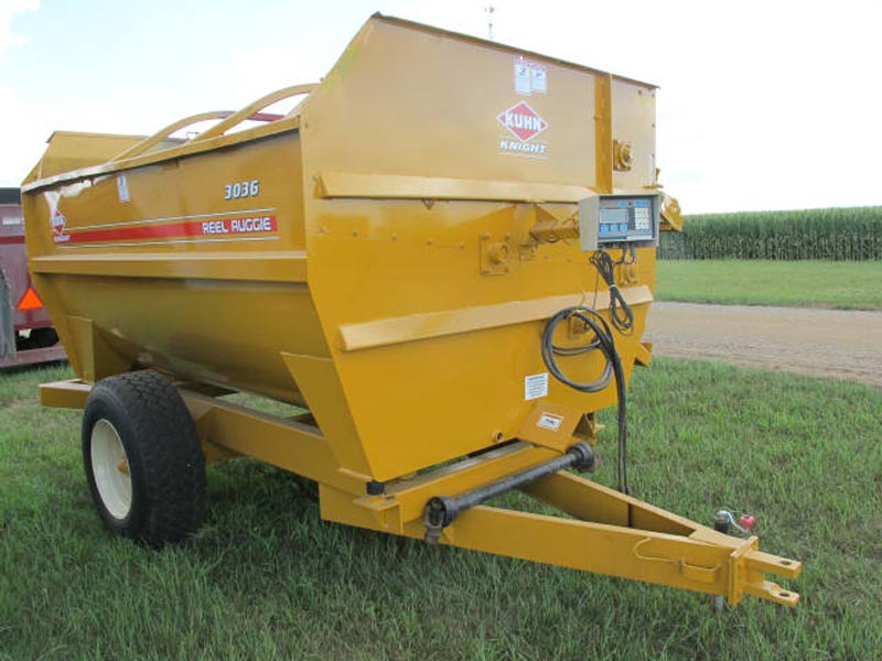 Knight 3036 reel mixer | Farm Equipment>Mixers>Reel Feed Mixers - 1