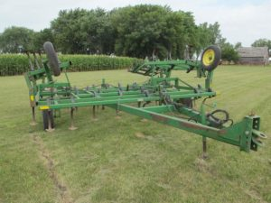 John Deere 960 Field Cultivator | Farm Equipment>Miscellaneous Farm Equipment - 1