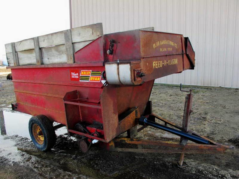Kelly Ryan 4x10 Feeder Wagon | Farm Equipment>Mixers>Misc. Feed Mixers - 1