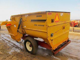 Knight 3025 reel mixer wagon | Farm Equipment>Mixers>Reel Feed Mixers - 5