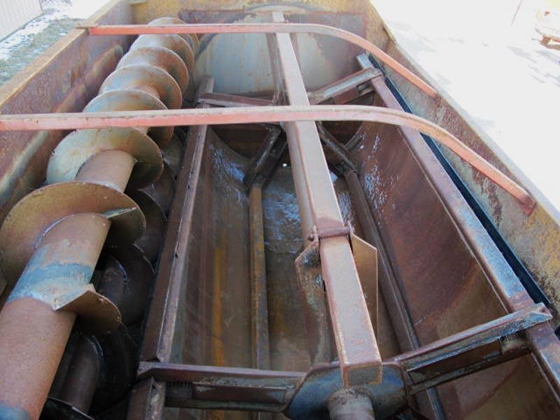 Knight 3042 reel mixer feed wagon   Farm Equipment>Mixers>Reel Feed Mixers - 5