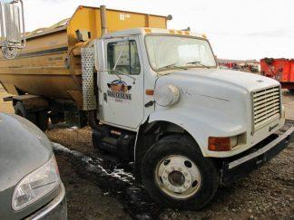 Knight 3060 reel mixer on IH truck feed truck | Farm Equipment>Mixers>Reel Feed Mixers - 1