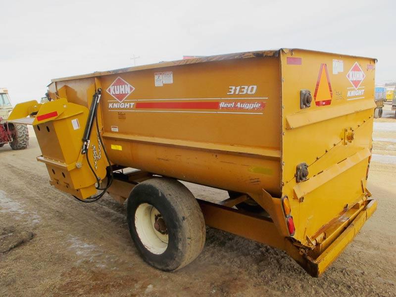 Knight 3130 reel mixer wagon | Farm Equipment>Mixers>Reel Feed Mixers - 6