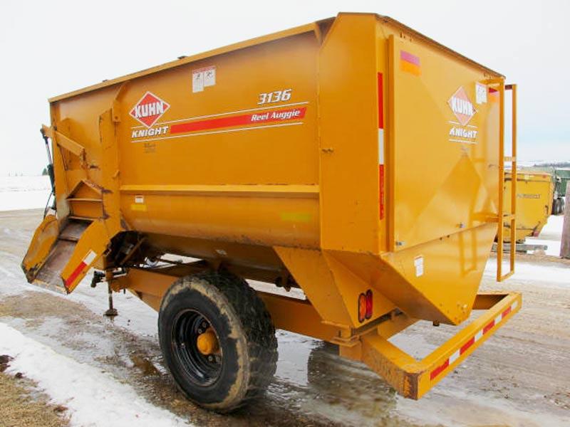 Knight 3136 reel mixer wagon | Farm Equipment>Mixers>Reel Feed Mixers - 6