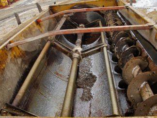 Knight 3300 reel mixer wagon | Farm Equipment>Mixers>Reel Feed Mixers - 4