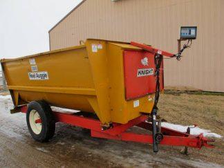 Knight 3300 reel mixer wagon | Farm Equipment>Mixers>Reel Feed Mixers - 1