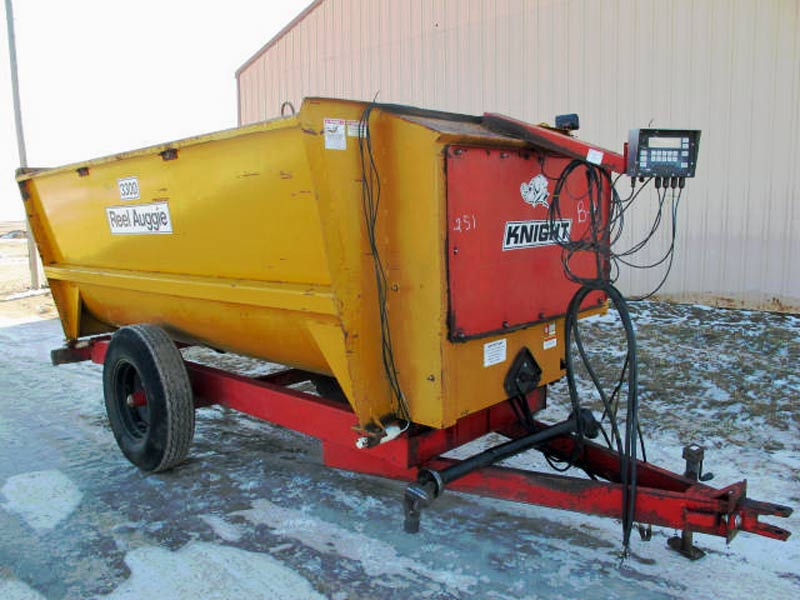knight 3300 reel mixer wagon | Farm Equipment>Mixers>Reel Feed Mixers - 6