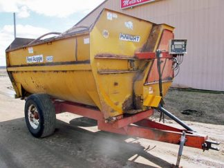 Knight 3450 Reel Mixer Wagon | Farm Equipment>Mixers>Reel Feed Mixers - 1