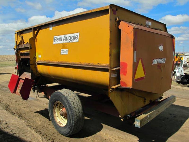 Knight 3450 Reel Mixer Wagon | Farm Equipment>Mixers>Reel Feed Mixers - 6