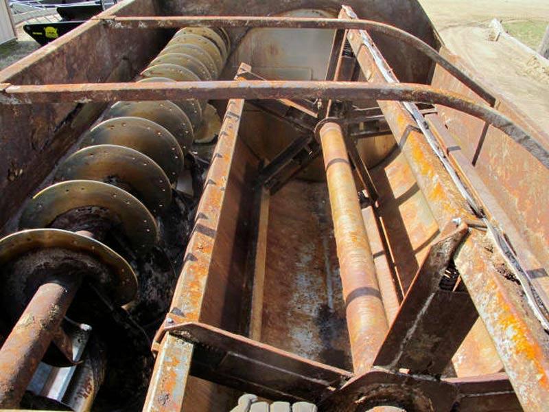 Knight 3450 Reel Mixer Wagon | Farm Equipment>Mixers>Reel Feed Mixers - 5