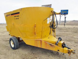 Knight 5032 vertical mixer wagon | Farm Equipment>Mixers>Vertical Feed Mixers - 1