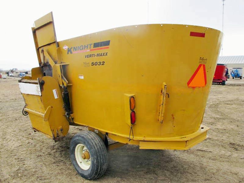Knight 5032 vertical mixer wagon   Farm Equipment>Mixers>Vertical Feed Mixers - 6