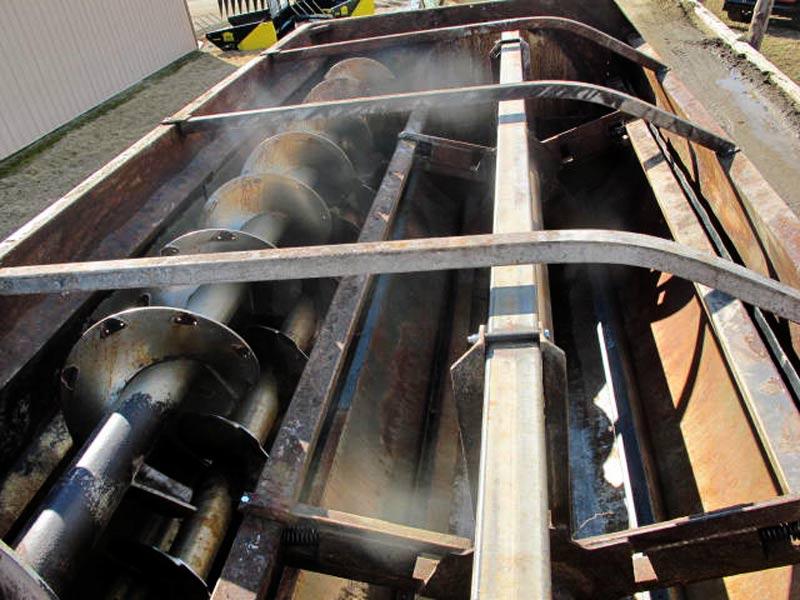 Knight 3160 reel mixer | Farm Equipment>Mixers>Reel Feed Mixers - 6